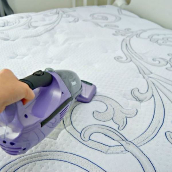 Did you know you can clean and freshen a mattress? You can! Here's how.