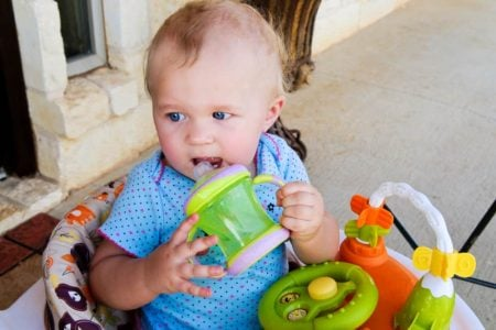 7 Steps to Keep Sippy Cups Clean & Mold-Free