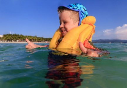 7 Best Life Jackets for Infants and Toddlers (2019 Reviews)