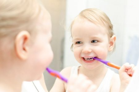 5 Best Toothpastes for Toddlers (2019 Reviews)