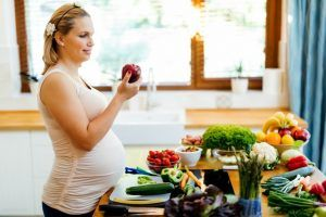Healthy diet during pregnancy to prevent birth defects