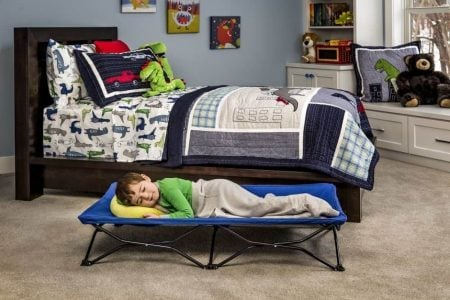 7 Best Toddler Travel Beds (2019 Reviews)