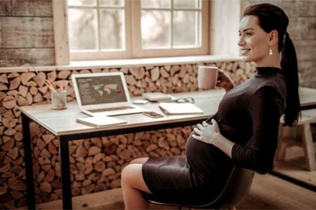 17 Comfortable and Fashionable Maternity Clothing Items for the Office