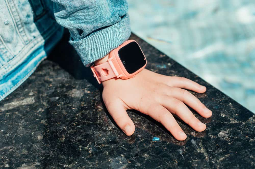 7 Best Smartwatches for Kids (2020 Reviews)