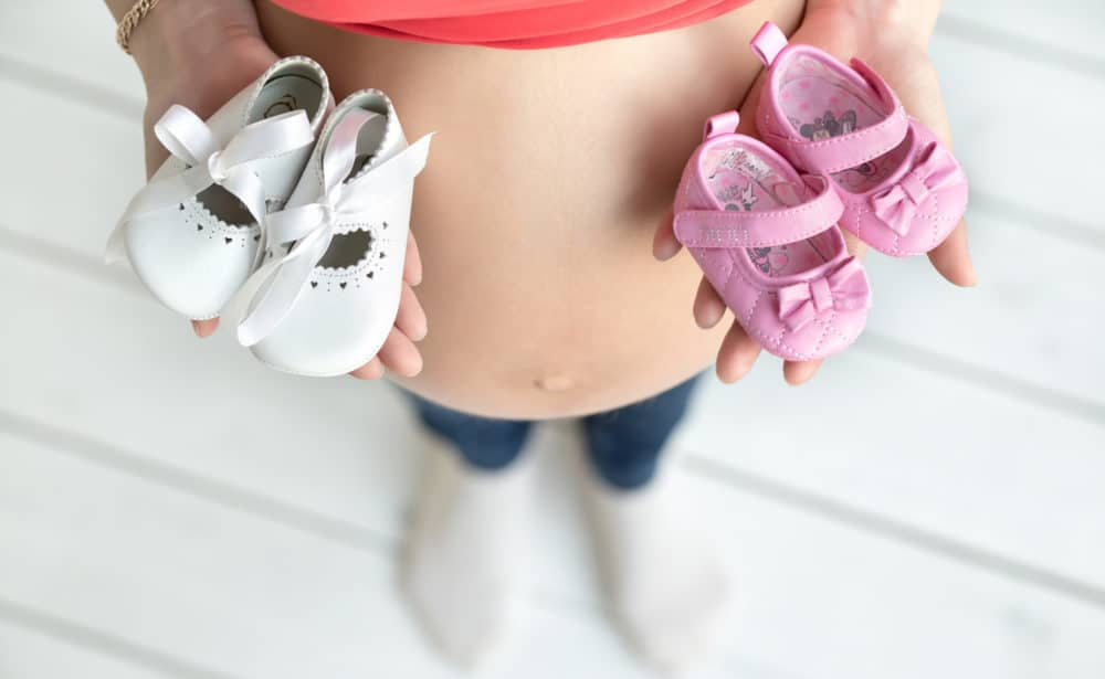 25 Twin Pregnancy Announcement Ideas