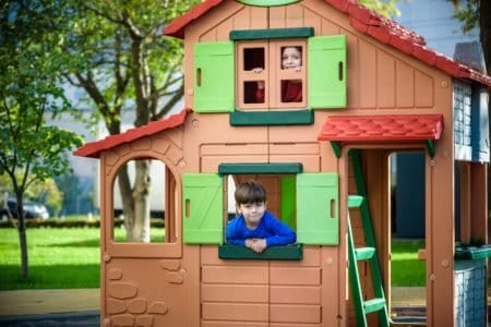 10 Best Outdoor Playhouses (2020 Reviews)