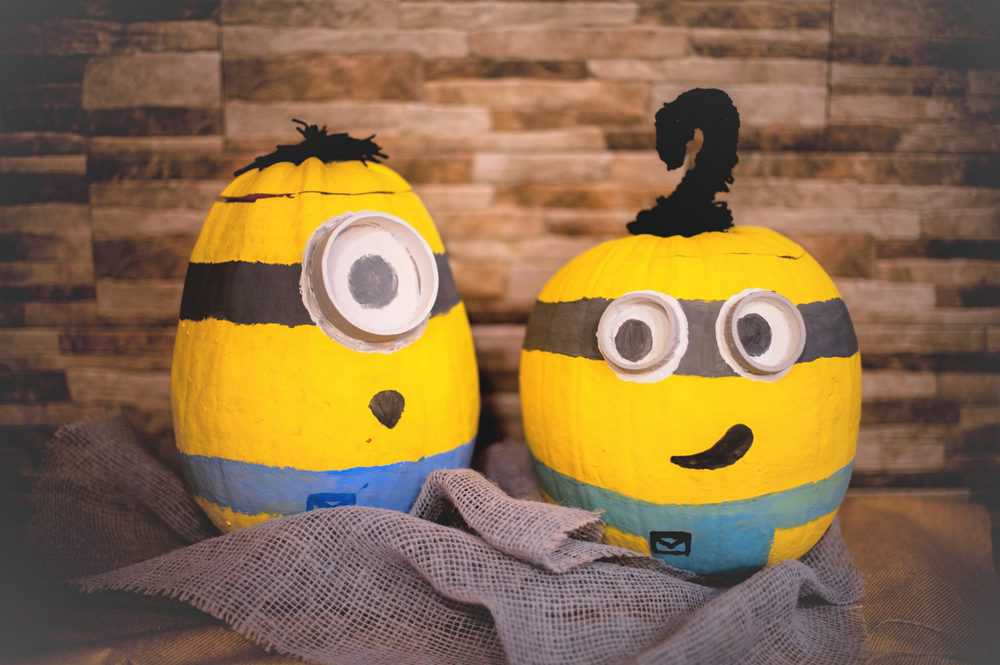 Minion pumpkin toys